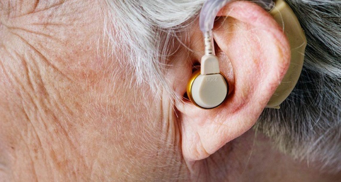 איך להתמודד עם ירידה בשמיעה בגיל מבוגר?